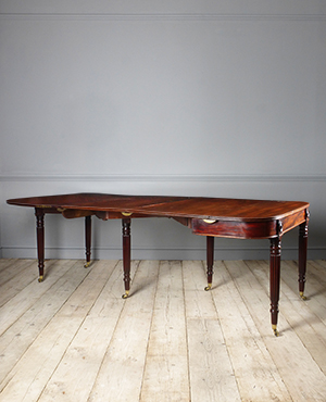 Antique extending dining table - £ 5500
