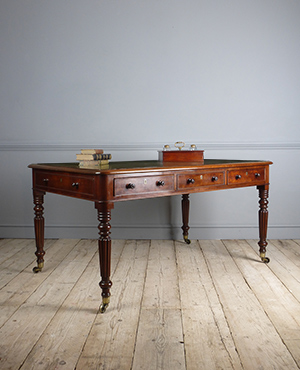 Antique library table - £ 3150