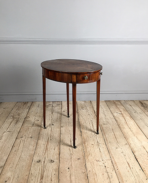 Georgian oval occasional table - £ 2200