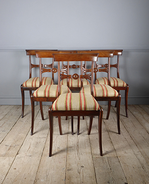 Set of 6 dining chairs - £ 2400